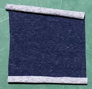 まっすぐ折りにくいニットを綺麗に折る方法