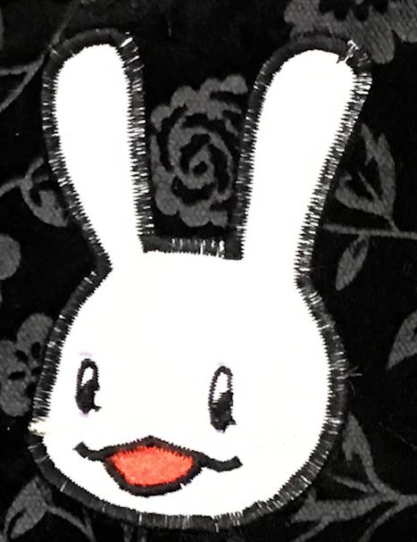 家庭用ミシンで自分の絵が着たい刺繍を入れる方法